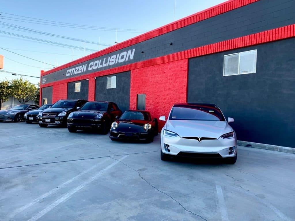 mechanic los angeles citizen collision parking lot of car repairs